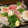 Iwashiryouriyoshi - 料理写真:ちょっと贅沢な刺盛り