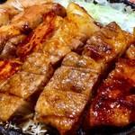 豚屋とん一 - 料理写真:トンテキのアップ。