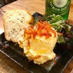 84067722 - 「たっぷり卵と桜エビのポテサラ」(通常価格:399円?)。『ちょい飲み手帖』対象。
