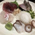 おじゃり - 鮮魚お造り盛り合わせ(中) 1740円