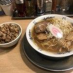 煮干そば 流。 - 煮干しそば 並 ¥750 ランチ肉めし ¥150