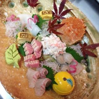 日本酒との相性抜群◆旬の鮮魚を取り揃えてお待ちしております!