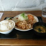 山角 - 生姜焼き定食。