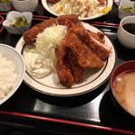 三河屋 - 三河屋(海老フライ定食+メンチカツ単品)