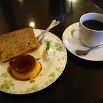 コビアン - シフォンケーキ&プリン+ホットコーヒー 480円