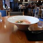 Restaurant&Cafe Lily - 朝顔型の鉢に入って「トマトんラーメン」登場