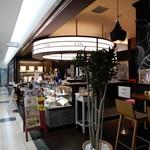 Restaurant&Cafe Lily - お店の外観。「屋台 けいじ」の暖簾が無くなってます。
