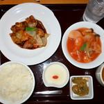 謝朋殿 - 料理写真:日替定食1150円