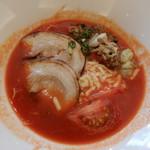 Restaurant&Cafe Lily - 豚骨とトマトのコラボスープ。マイルドです。