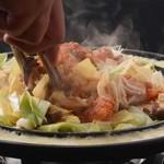 チーズタッカルビ 肉 居酒屋半 - 料理写真: