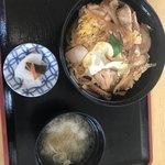 ニュー温泉閣ホテル - 親子丼