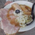 らーめん つけめん 虎テツ - 料理写真:丸鶏中華そば(肉増し)950円
