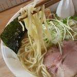 麺屋 白鷺 - やや細めの縮れ麺