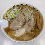 かとうらーめん - 料理写真:醤油野菜らーめん(770円)