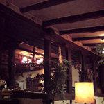 カサ・デ・フジモリ - 昼間でも薄暗い店内が良い!