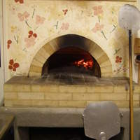 カフェ ハナナ - この石窯で焼き上げます。