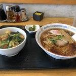 江川食堂 - 料理写真:ラーメンとミニ中華丼セット