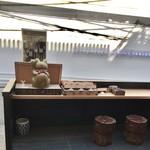 鶴亀樓 - テラスのカウンター席