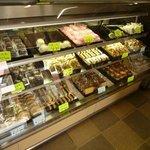 森屋菓子店 - 鹿の子、きんつば、すあま、どらやき、最中など種類豊富
