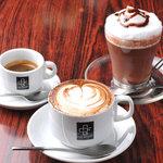 カップベアラー - カフェならではのドリンクメニューも多数、お酒が苦手な方も安心です