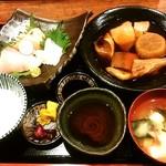 いざけ屋ひなた - よくばり定食(ブリ大根)900円