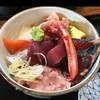 そば処 さか本 - 料理写真:マグロと地魚の海鮮丼1000円