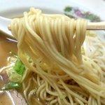 紅来軒 - ストレート中麺