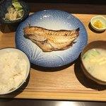 日常茶飯事 いづみ - 赤魚の塩麹焼き定食