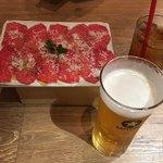 近江牛Steak&Wine モダンミール - お通し2名分と生ビール、烏龍茶