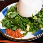 龍光屋 - 天ぷらうどん(薬味)