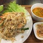 Thai Food Lounge DEE  - パッタイ(*´ω`*)ランチセット