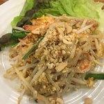 Thai Food Lounge DEE  - パッタイ(*´ω`*)