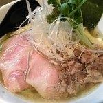 麺や勝治 - 青唐辛子痛麺850円+大盛100円+味玉(クーポン提示で無料)