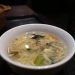 ザ・肉餃子 四川厨房 - かき玉スープ