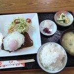 多楽福亭 - 料理写真:サービスランチ850円/ハンバーグ
