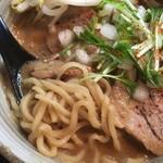 84132276 - みそらーめん大盛 ちゃーしゅー増し                       麺は中太ストレート麺