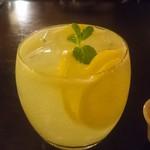ノブ カフェ - レモンスカッシュ
