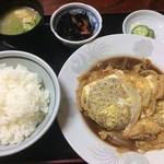 楽亭 - メンチカツ煮定食