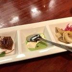 點心茶室 - 三種前菜盛り合わせ
