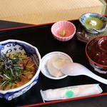 おふくろの味・旬 - 料理写真:極上カンパチ丼