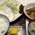 ふる里 - 大根煮付 目玉焼き定食2