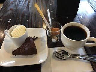 ファーマル カフェ