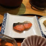 人丸花壇 - 朝食:焼きたてシャケ