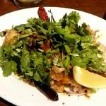 gigas Oyster Spot Bar - エスニックチキンフリット 辛めのチキンがたっぷりでオツマミに最適