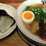 熟成細麺 宝屋 - ラーメン+おにぎり