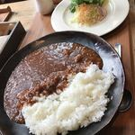 ナナイロ食堂 - ごはん300グラムのハヤシライス