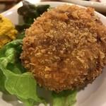 もつ焼き 肉の佐藤 - 牛肉100%メンチカツ