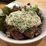 もつ焼き 肉の佐藤 - レバ唐のタルタル