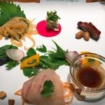 84170441 - 広東風鯛のお刺身と前菜盛り合わせ