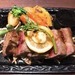STEAK HOUSE WATAYOSHI - 和牛ステーキ200g注文したけど少し大きくしてくれたのでこれは200+αサイズですね(笑)